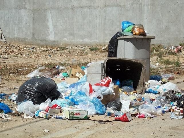 موسوعة آدم العامة بحث مدرسي عن النفايات المنزلية وأثرها على البيئة