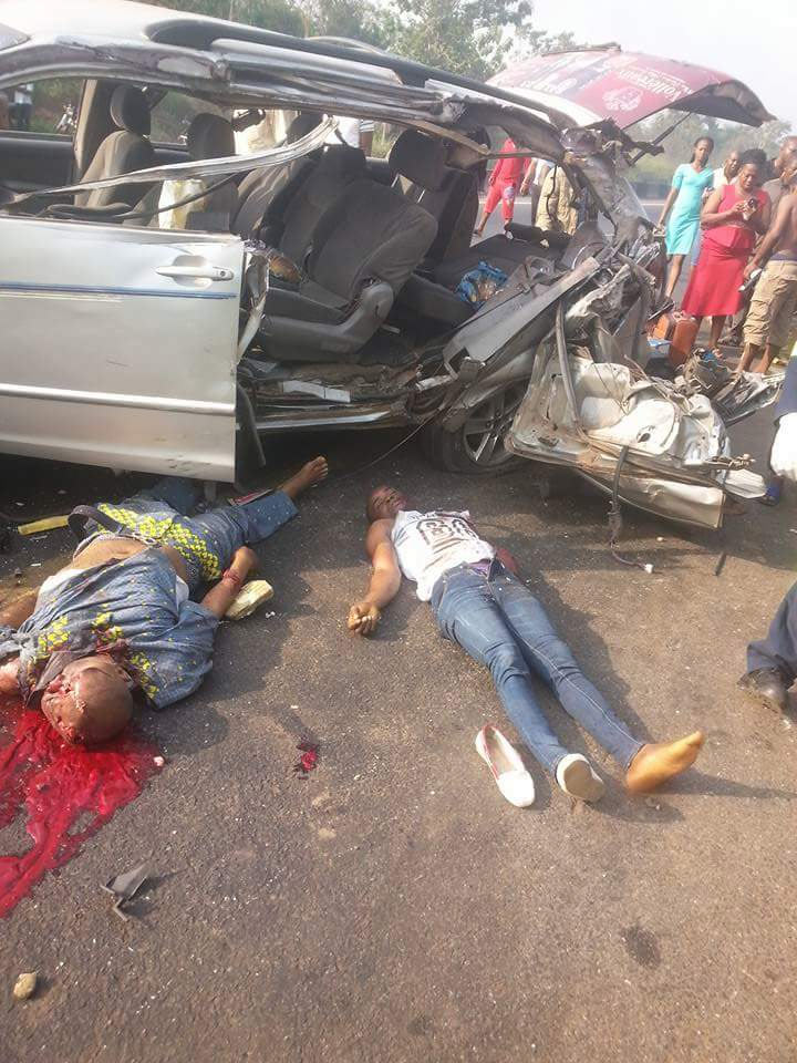 Graphic: Two dead in Ondo commercial vehicle accident