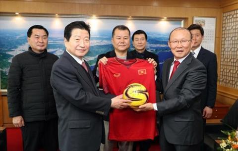 Làn sóng văn hóa Hàn Quốc đến với bóng đá Việt Nam