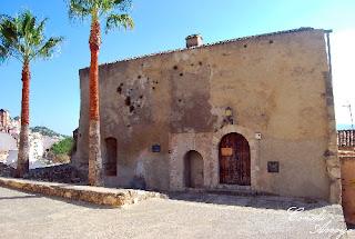 Iglesia del Salvador (s. XIII al XIV) en el entorno del Castillo de Buñol hoy día es el museo arqueologico