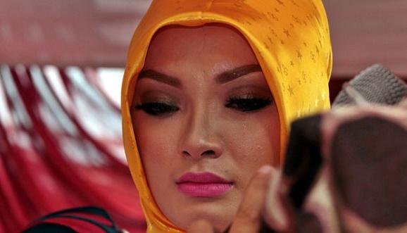 Zaskia Gotik Minta Maaf : Dihujat Gara-Gara Hina Indonesia, netizen geger