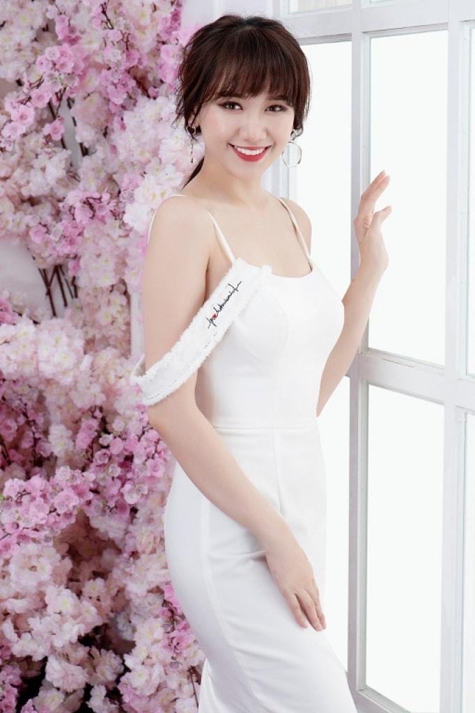 Hari Won khoe dáng với phong cách thanh lịch, nữ tính -4