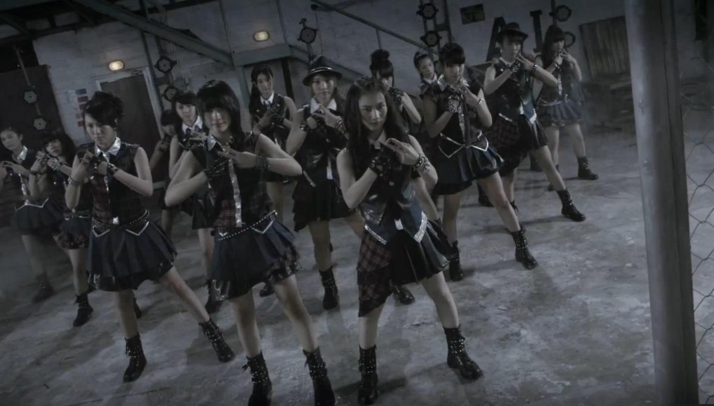 [Lyric] JKT48 - RIVER - StrawberryBlood