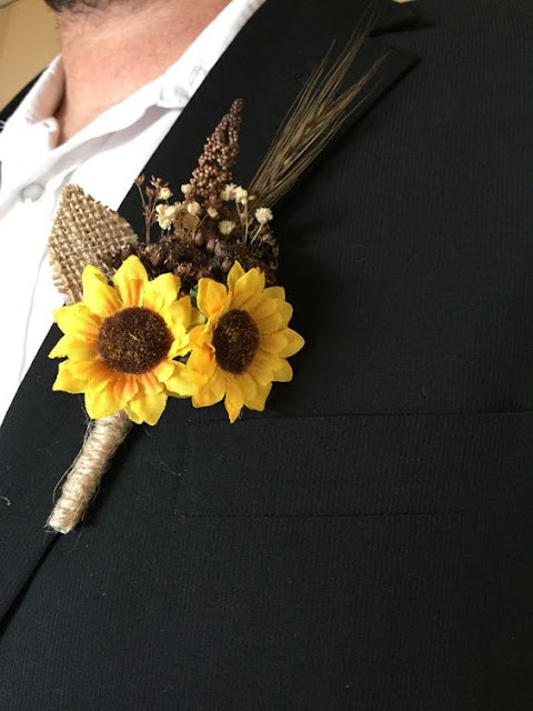 rustic sunflower boutonniere