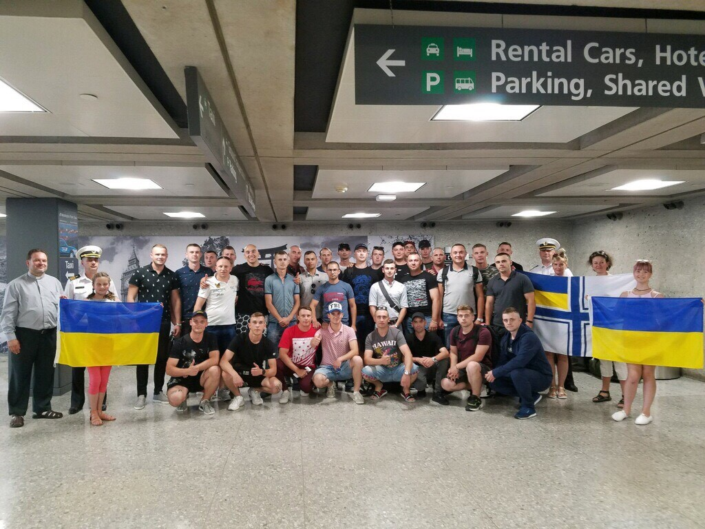 Екіпажі українських «Айлендів» прибули до США