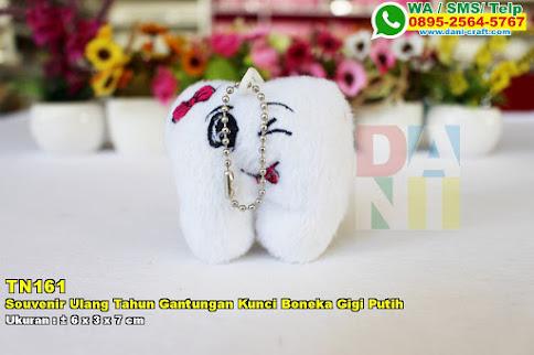 Souvenir Ulang Tahun Gantungan Kunci Boneka Gigi Putih