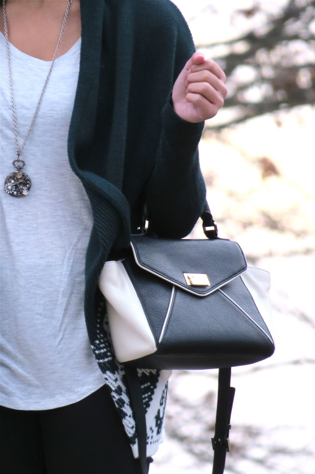 Black_and_white_kate_spade_purse