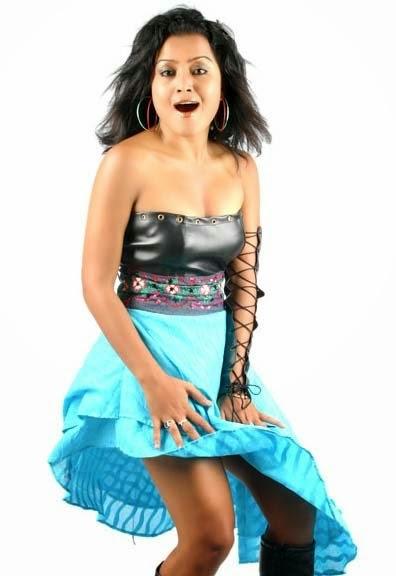 Sanam Puri Cute Wallpaper Cute Rekha Thapa Masala Pics Bollywood Hot Models