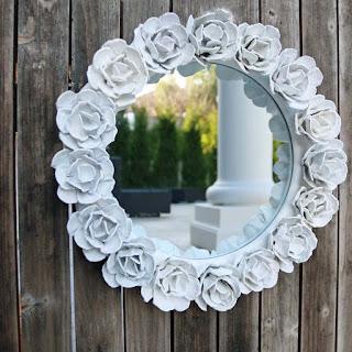specchio con cartone uova