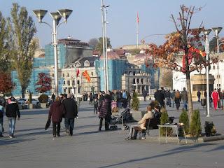 Η ανακούφιση στα Σκόπια και οι πολύφερνοι,... γαμπροί μακεδόνες