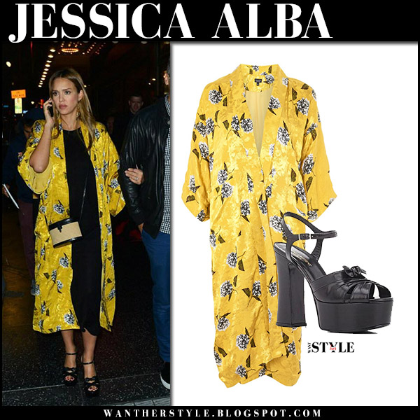 Jessica Alba in yellow floral print kimono topshop what she wore maternity style august 16 2017
