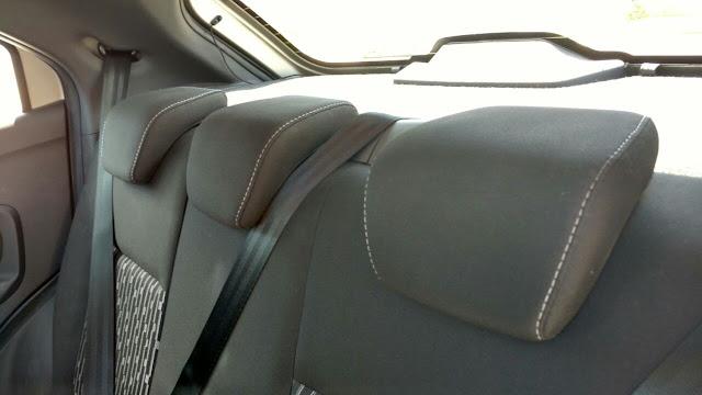 Ford Ka encosto de cabeça traseiro 3 três cinto de segurança pontos centro