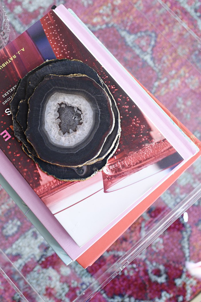 Black and gold gilded agate coasters + Tips for shopping for home decor at antique and thrift stores. | via monicawantsit.com