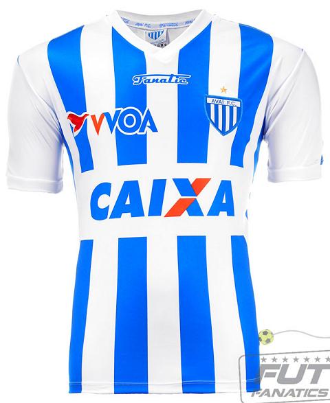 69fd0eef1b Ao invés do tradicional e predominante azul e branco, O clube usou nos anos  de 1968, 1980 e 1986 a cor vermelha para destacar os números das camisas.