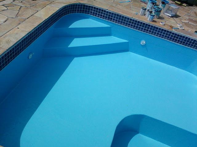 piscina de alvenaria vertida em fibra