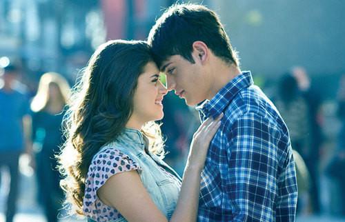 Resultado de imagen para 2 enamorados mirandose a los ojos