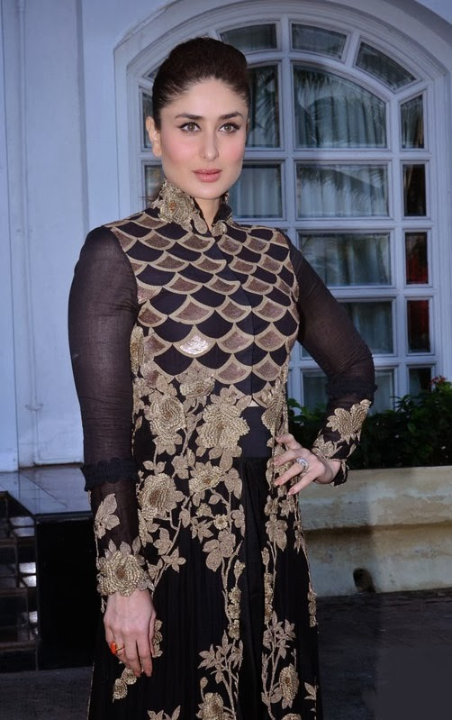 Kareena Kapoor Stills Black Designer  Salwar Suit