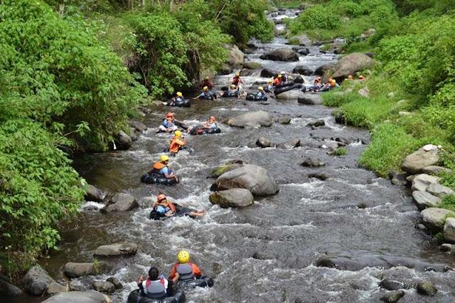 Wisata Tubing Sungai Amprong