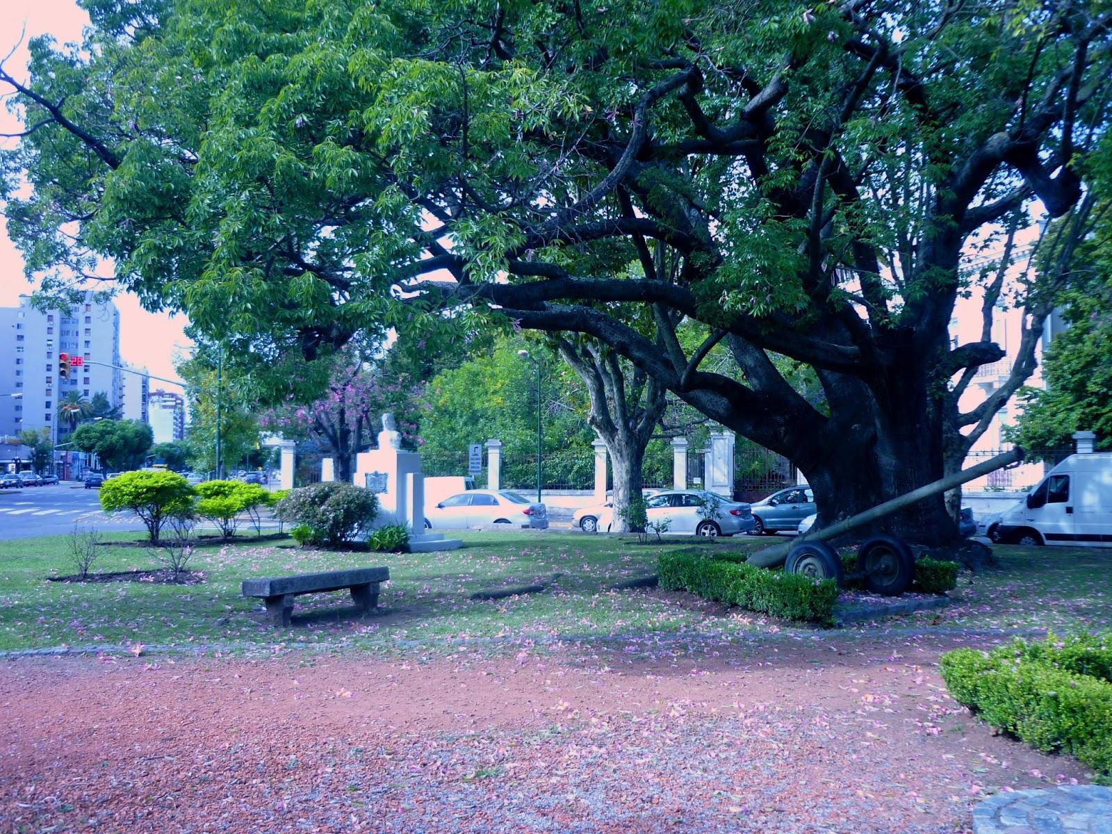 Plazas y monumentos de San Isidro: Plaza Remedios de Escalada ...