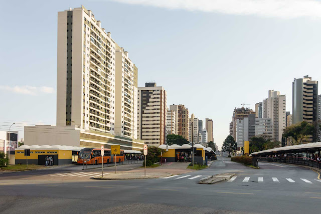 Terminal de ônibus do Cabral em Curitiba