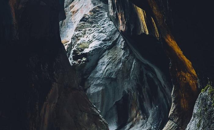 Goa Gunung Sebayang, Goa Sedalam 10 m Dengan Keindahan yang Luar Biasa