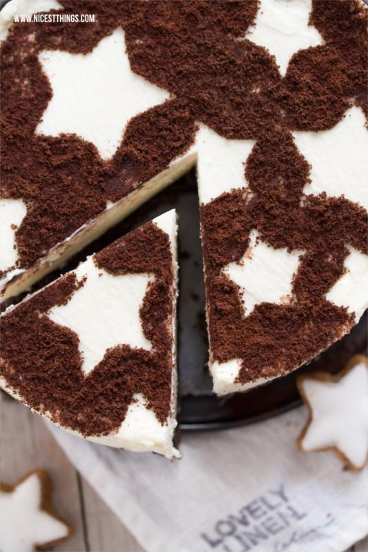 Kuchen mit Sternen Backschablone Zimtstern Cheesecake Zimt Käsekuchen #weihnachten #zimt #cheesecake #zimtsterne