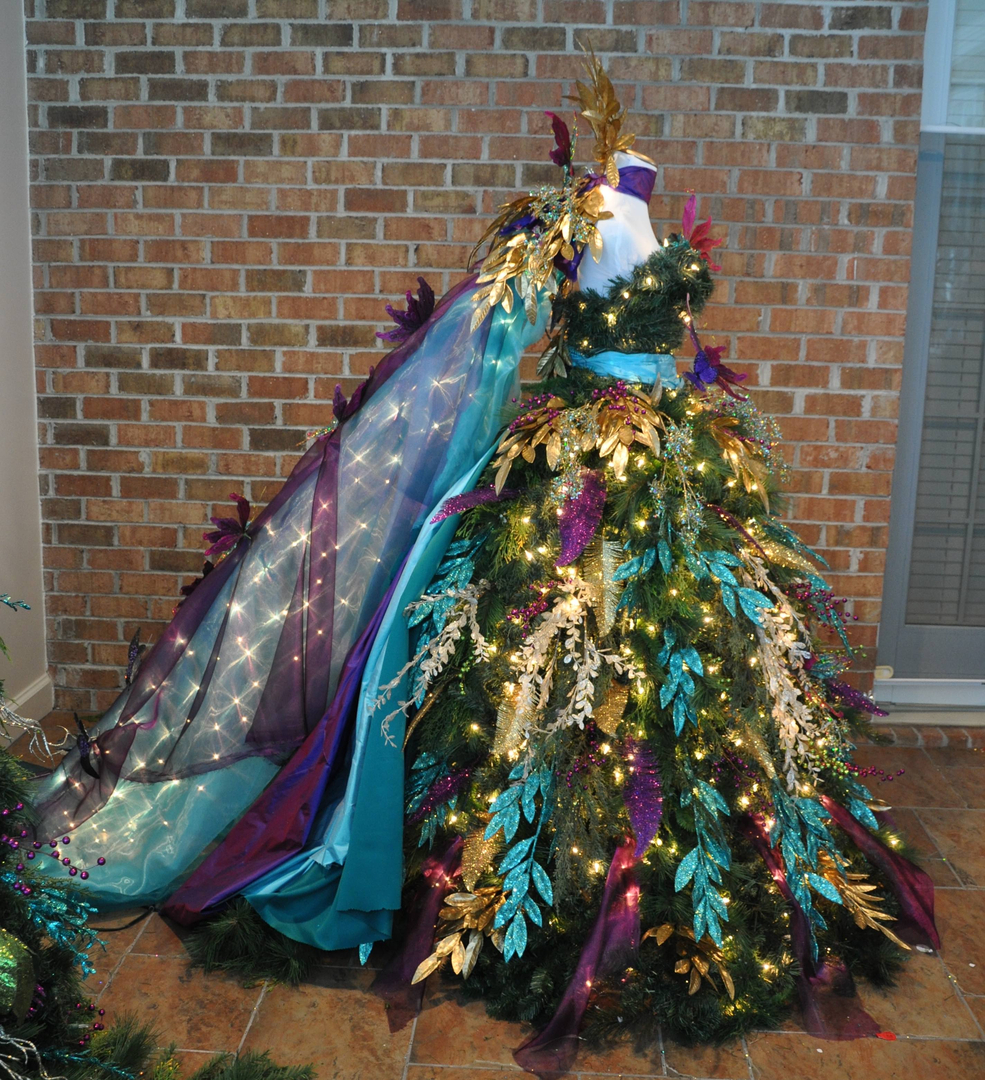 Dress Form Christmas Tree.10 Christmas Trees To Inspire Your Holiday Decor The Daily