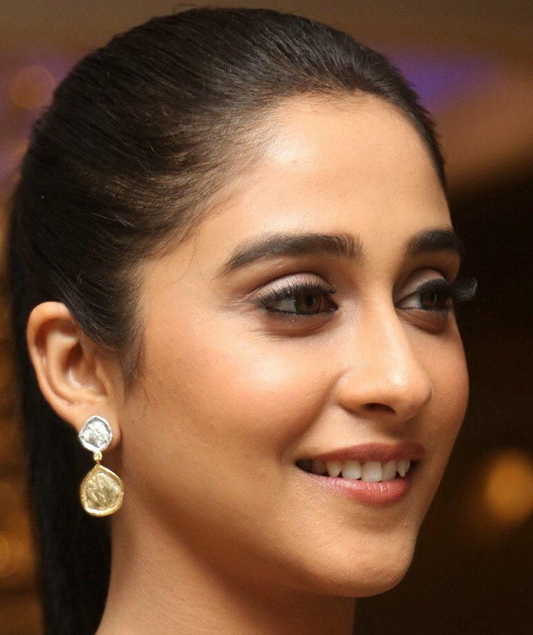 Telugu Actress Regina Cassandra Oily Face Close Up Stills