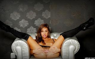 Naked brunnette - Abigail%2BMac-S01-023.jpg