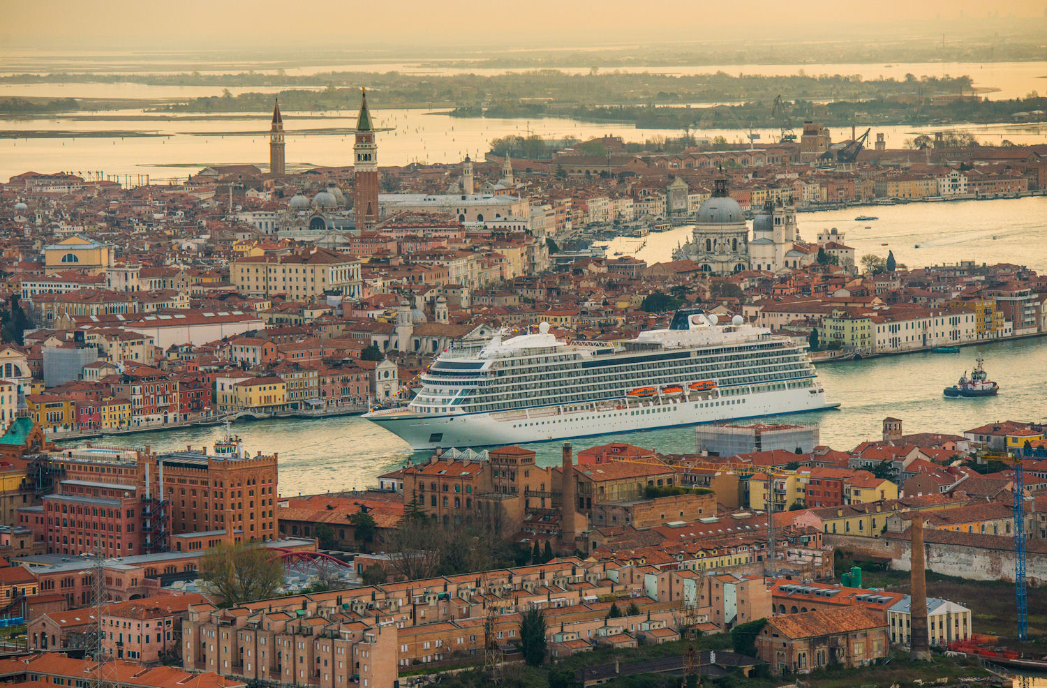 The Viking Sea sets sail on her maiden voyage. Photo: © Edelman and Viking Cruises. Unauthorized use is prohibited.