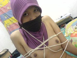 memek jilbab