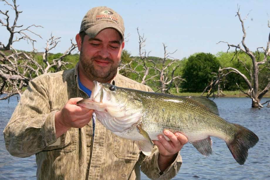 Effective freshwater fishing tips for anglers while for Freshwater fishing tips