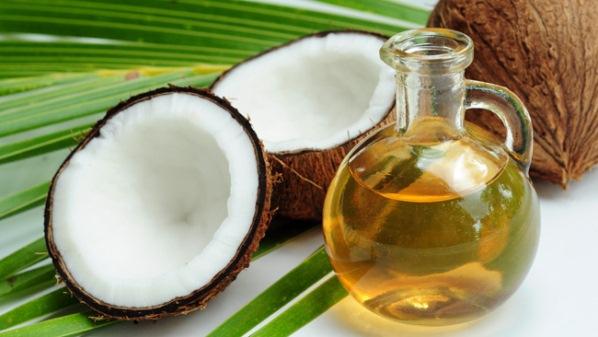 Inilah Manfaat Minyak Kelapa Untuk Mengatasi Rambut Rontok