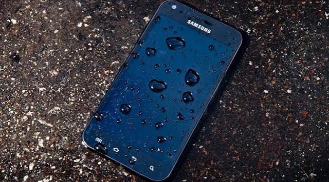 Cara Mengatasi Ponsel / Smartphone yang Kena Air