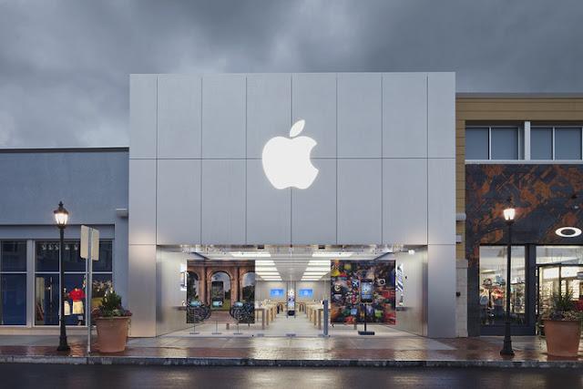 Apple Store - MichellHilton.com