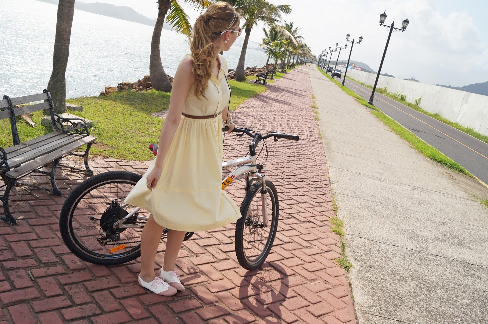 Cute Outfit to wear on a bicycle riding date!