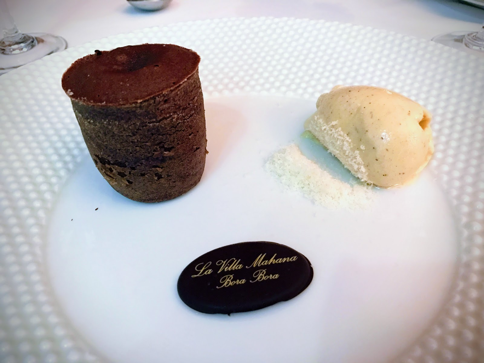 Warm and Creamy Chocolate Cake with Vanilla Ice Cream 熱巧克力蛋糕與香草冰淇淋