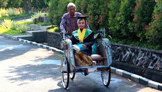 Raeni, Anak Tukang Becak itu Kini Sudah Kuliah di Inggris
