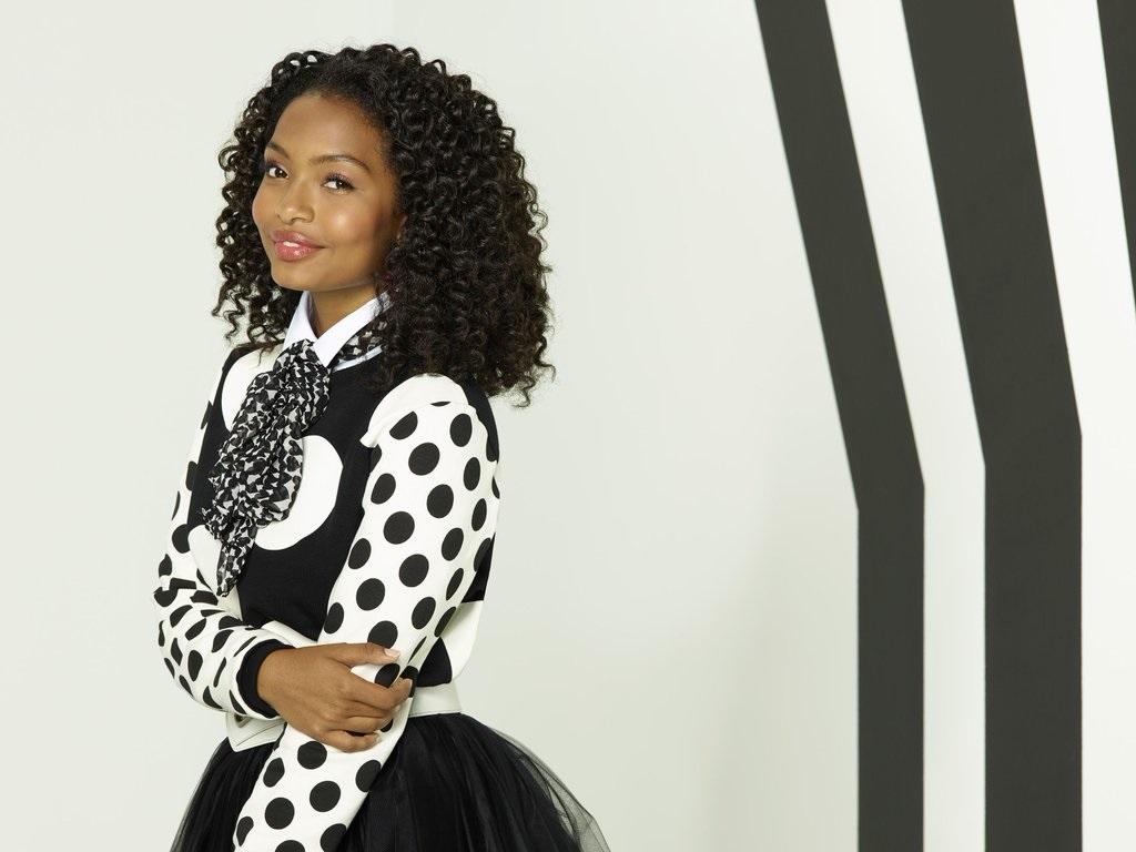 Yara Shahidi es Zoey en Black-ish