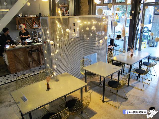 IMG 6481 - CMYK GALLERY | 集會畫教室、藝廊、餐廳於一身的特色餐廳,色彩繽紛的用餐環境,令人賞心悅目,也讓網美們為之瘋狂!