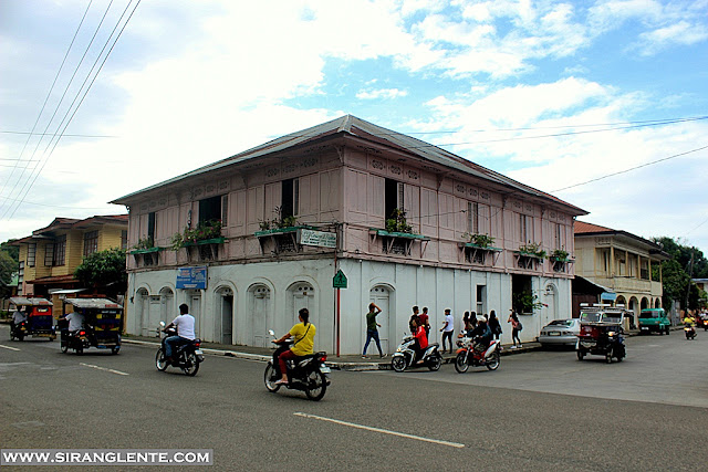vigan old houses in calle crisologo