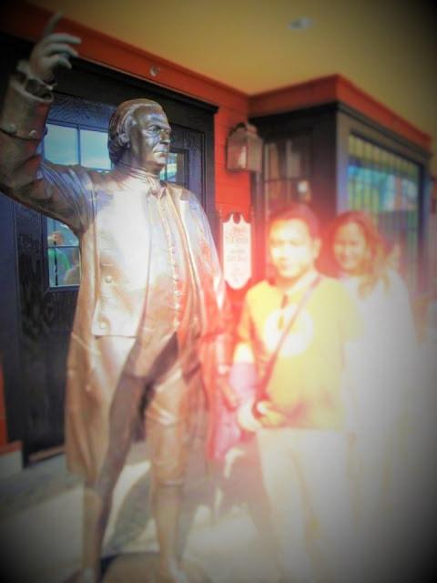 Boston tea party museum and souvenir shop by gurlayas.blogspot.com