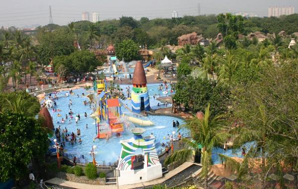 tempat wisata air di Jakarta Atlantis Water Adventure Ancol