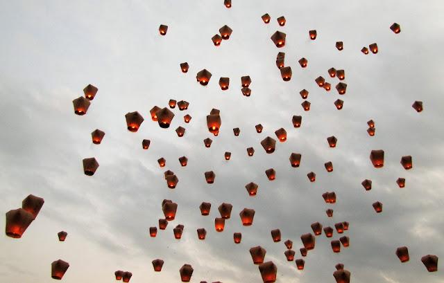 lanterns day pingxi sky lantern festival taiwan