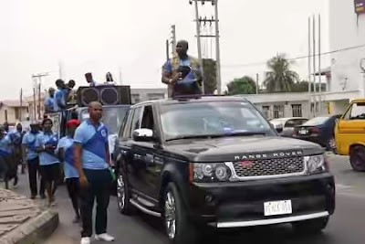 Lagos Pastor Got Tongues Wagging As He Stepped Out To Preach With Range Rover (PHOTOS)
