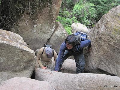 Los primeros obstáculos en el arroyo Hondo - Cerro Viejo
