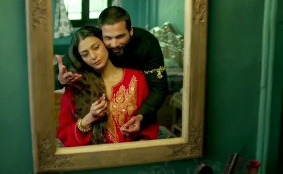 Haider (Shahid Kapoor) with his mother (Tabu), modeled on Hamlet and Gertrude, Directed by Vishal Bhardwaj, The Oedipus Complex