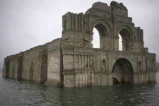 A igreja que não afunda