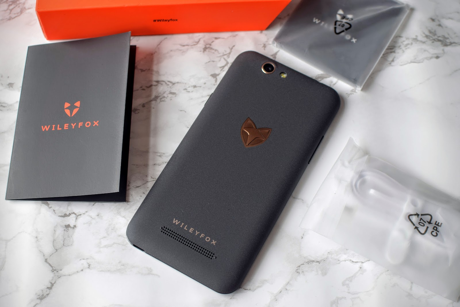 , Children and Phones / The Wileyfox- Spark + #Review