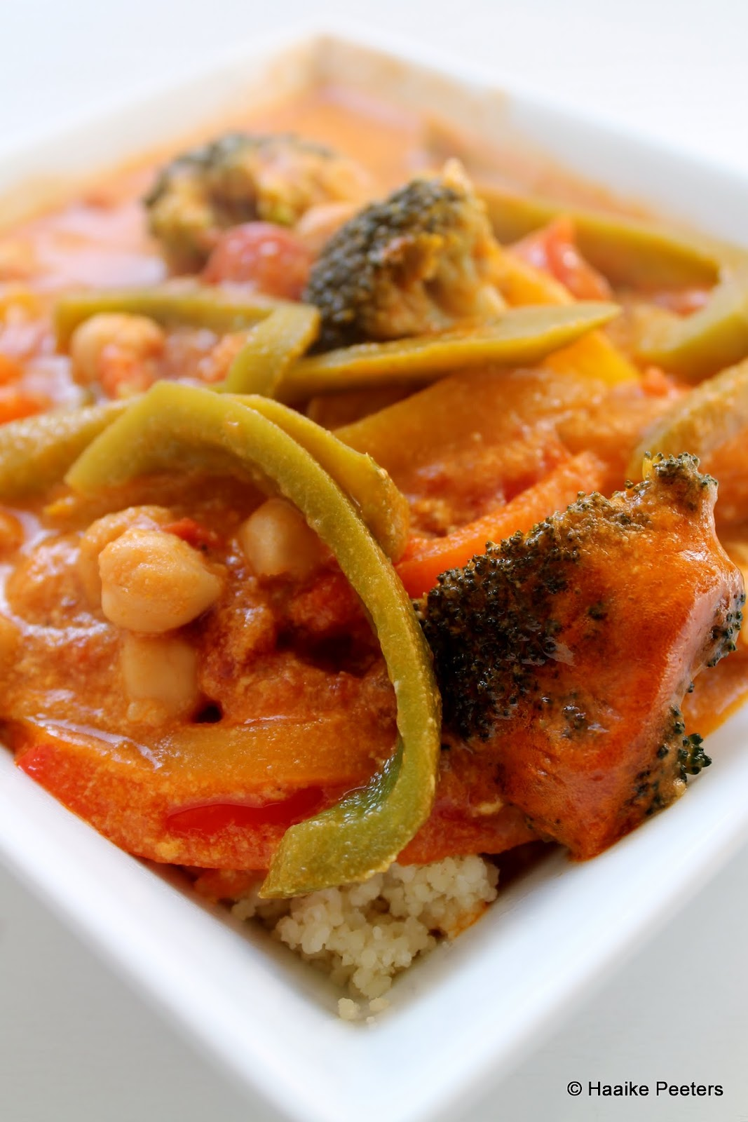 Pittige groene curry met couscous (Le petit requin)